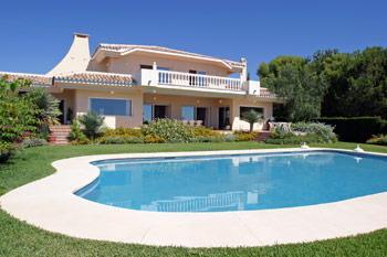 une de luxe qui fait succomber de nombreuses personnes dans des proprits splendides cest la piscine elle est en effet la maison la plus belle
